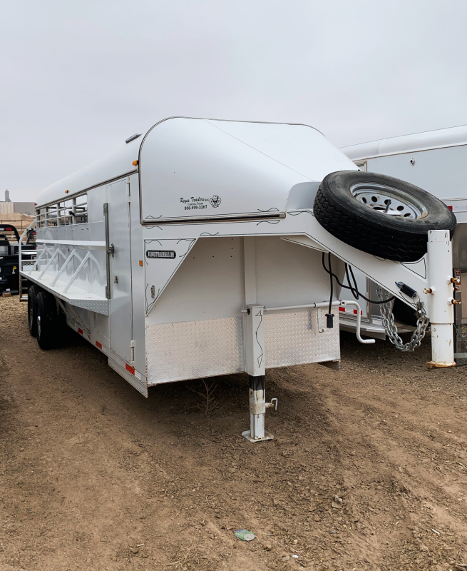 2013 Reyes 22 ft Livestock Trailer in Ashburn, VA
