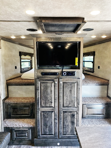 2019 4-Star Trailers 4 Horse Living Quarters Trailer