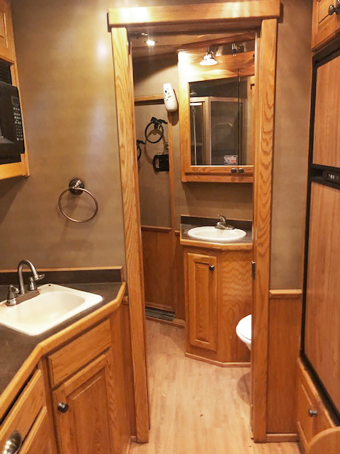 2008 Bloomer 3 Horse Trailer