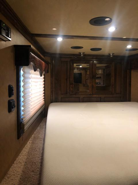 2015 Bloomer  4 Horse Trailer