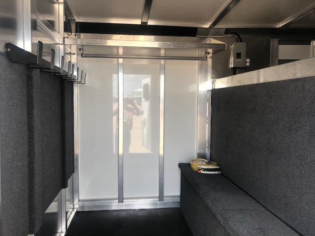 2019 Cimarron Trailers Showstar LP 25 Livestock Trailer