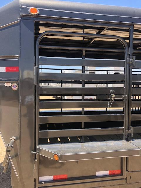 2018 Delco 32ft Metal Top Livestock Trailer