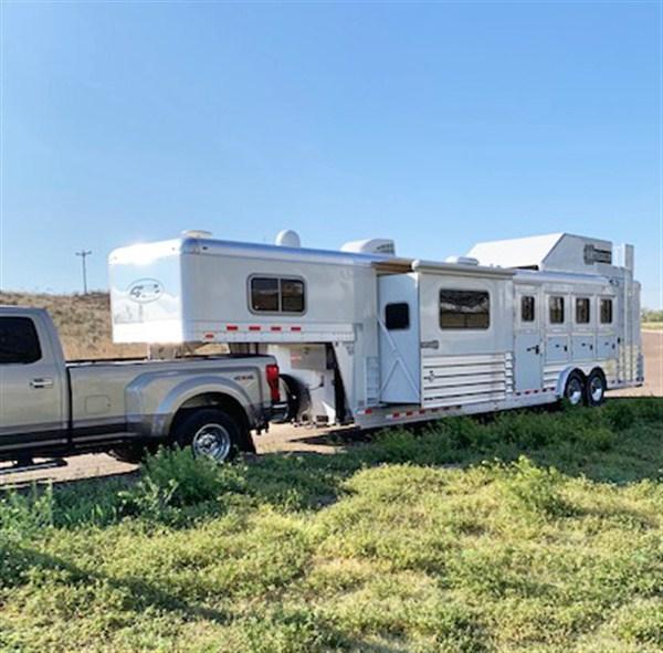 2018 4 Star 4 Horse Trailer