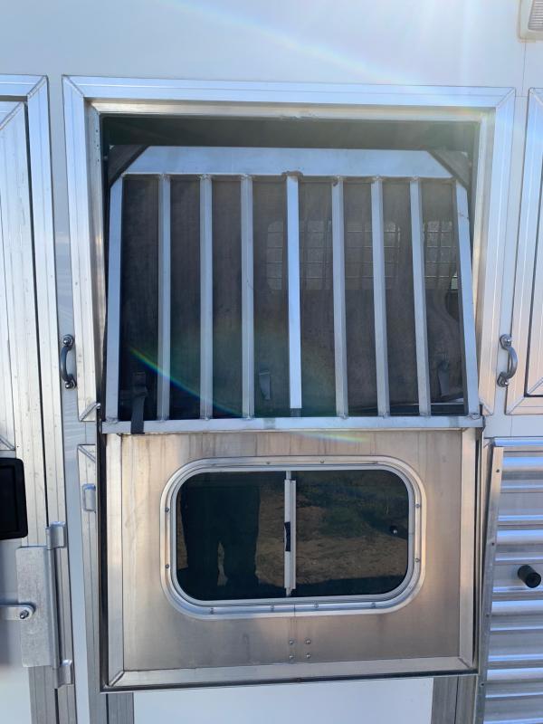 2013 Logan Coach 4 Horse Living Quarters Trailer