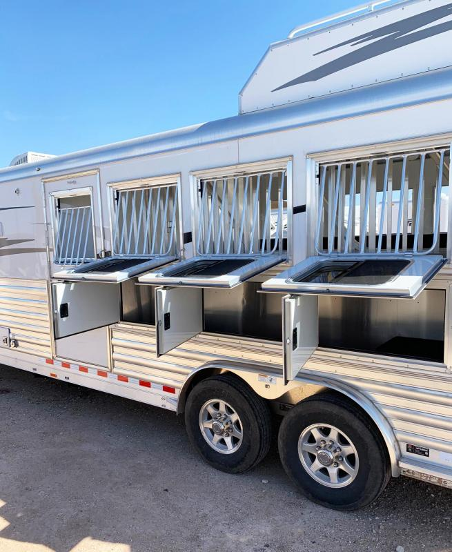 2019 4-Star Living Quarter Horse Trailer