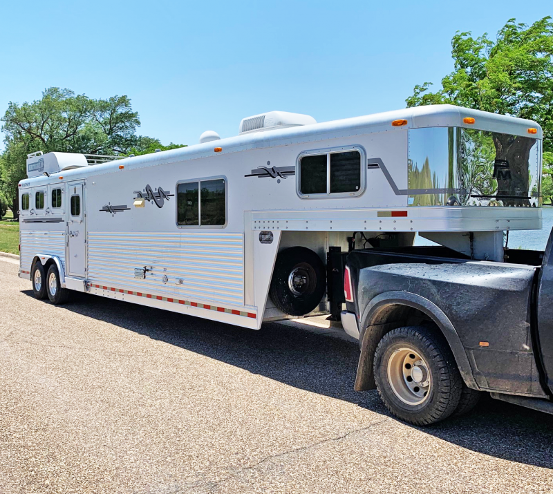 2003 Platinum Coach 4 Horse Trailer in Ashburn, VA