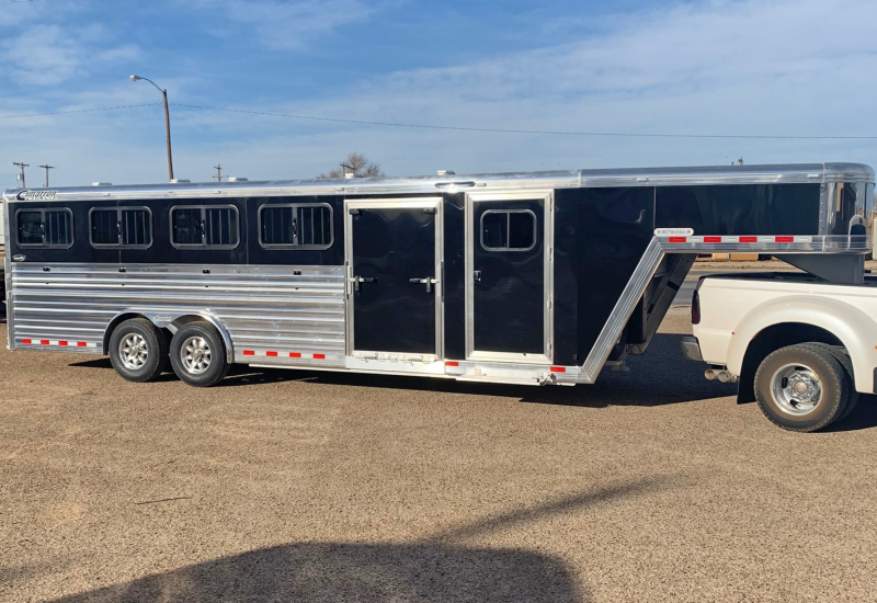 2019 Cimarron 25 ft Livestock Trailer in Ashburn, VA