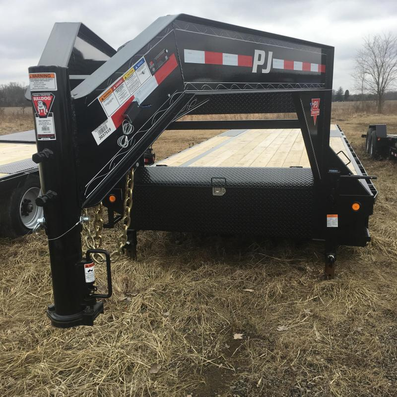 2018 PJ Trailers 30FT FLATDECK Equipment Trailer