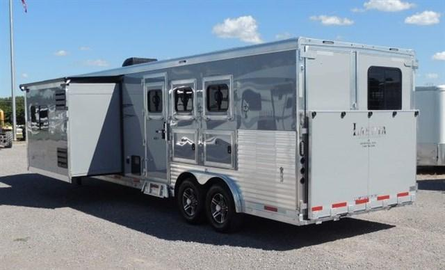 2020 Lakota Charger 8314 Horse Trailer w/ 9' Slide and Center Entertainment