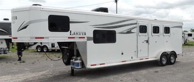 2020 Lakota Charger 309 Horse Trailer
