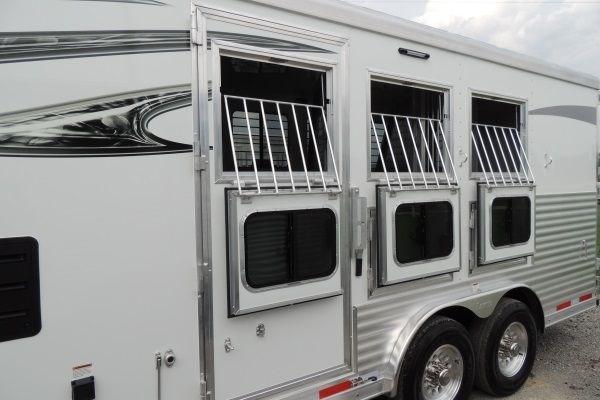 2019 Lakota Charger 8309 Horse Trailer