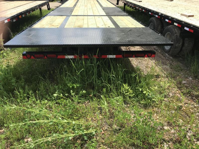 2019 Load Trail 32 Goose Hyd. Dove 22K Equipment Trailer