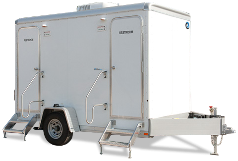104C LuxuryLav Narrow Body 4-Stall Shower Trailer