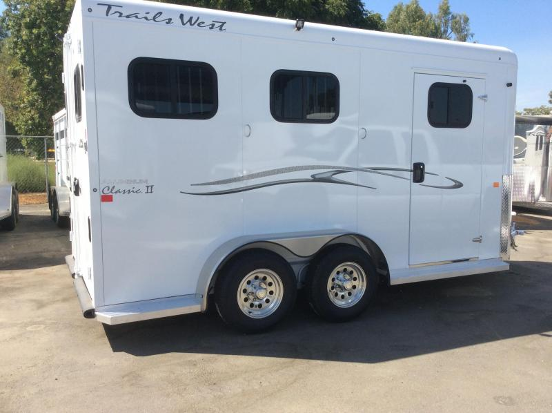 2019 Trails West  CLASSIC II Horse Trailer (WB)