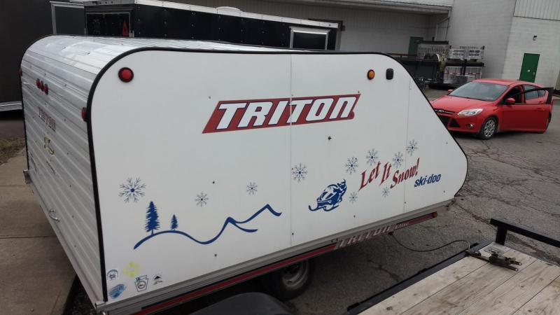 2001 Triton 101x10 Clamshell Tilt Snowmobile Trailer