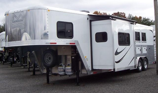 2018 Merhow Trailers Next Generation 8311 Horse Trailer