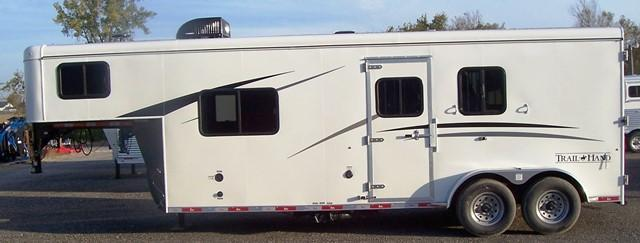 2018 Bison Trailers Trail Hand 7207 Horse Trailer
