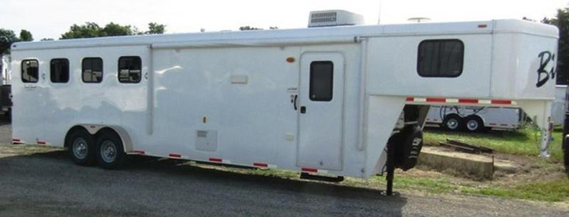 2014 Bison 7410 Trail Hand Horse Trailer in Ashburn, VA