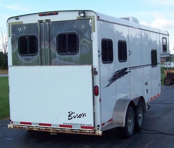2002 Bison Trailers 260 Alumasport Horse Trailer