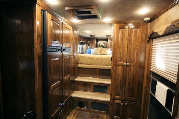 2017 Kiefer Manufacturing 8224 Two Slides Island 50 TV! Horse Trailer