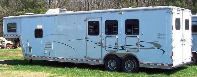 2001 Kiefer Manufacturing Genesis SE143 Horse Trailer