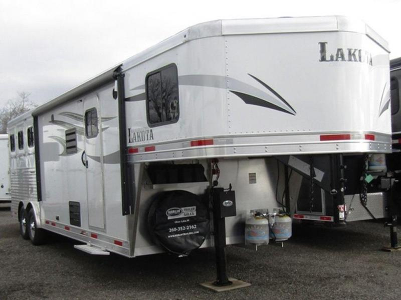 2019 Lakota Charger 8311 Horse Trailer