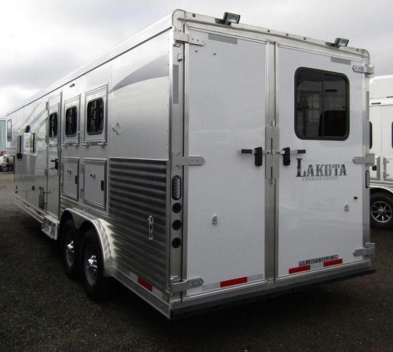 2019 Lakota Charger 8311 Horse Trailer