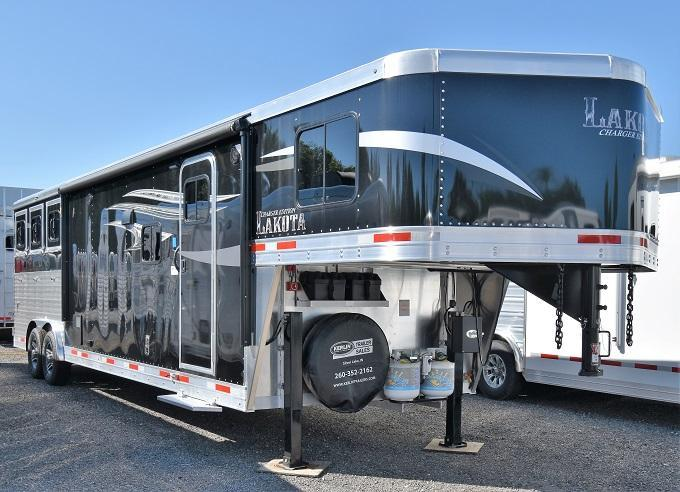 2020 Lakota Charger 8313 Horse Trailer