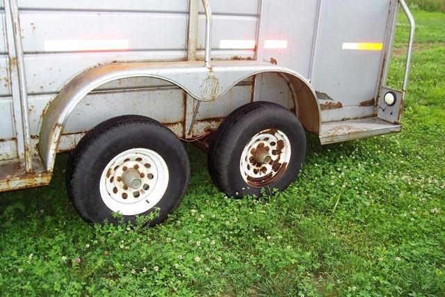 2001 W-W Trailer Stock Combo with Dressing Room Horse Trailer