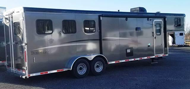 2018 Bison Trailers 7311 Trail Hand Horse Trailer