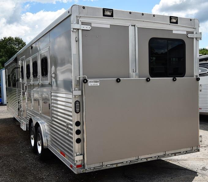 2016 Lakota Bighorn 8417 Horse Trailer