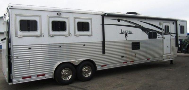 2014 Lakota Bighorn 8316 Horse Trailer w/9' Slide