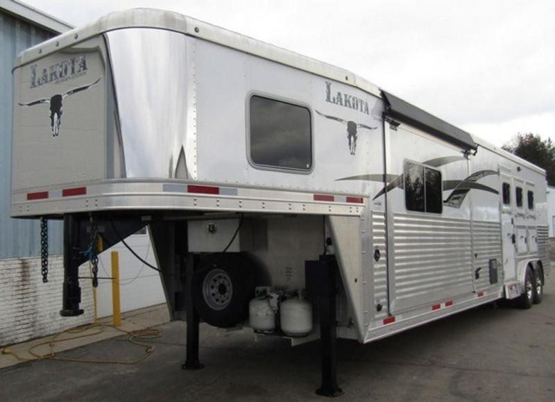 2014 Lakota Bighorn 8316 Horse Trailer w/9' Slide in Ashburn, VA