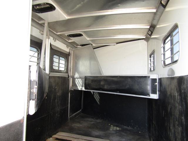 2000 Sundowner Trailers 6908 Living Quarters Horse Trailer