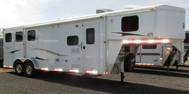 2010 Bison Trailers 380 Trail Express Horse Trailer