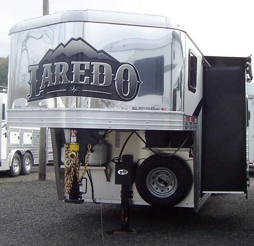 2018 Bison Trailers 7311 Laredo w/Slideout Horse Trailer