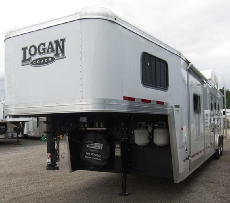 2019 Logan 812 Limited Horse Trailer