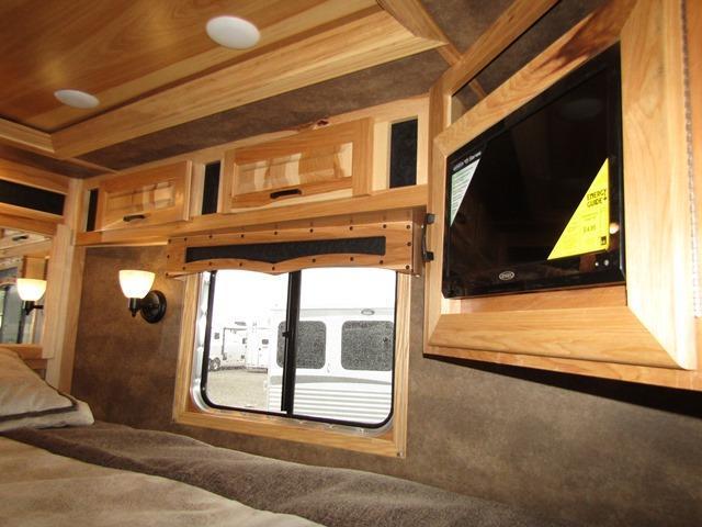 2019 Lakota Trailers Bighorn 8313 w/Hickory Interior Horse Trailer