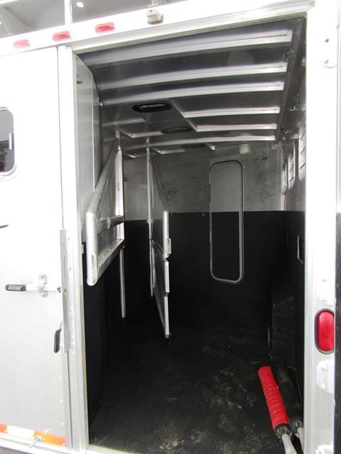 2001 Exiss Trailers 310 Maximum Horse Trailer