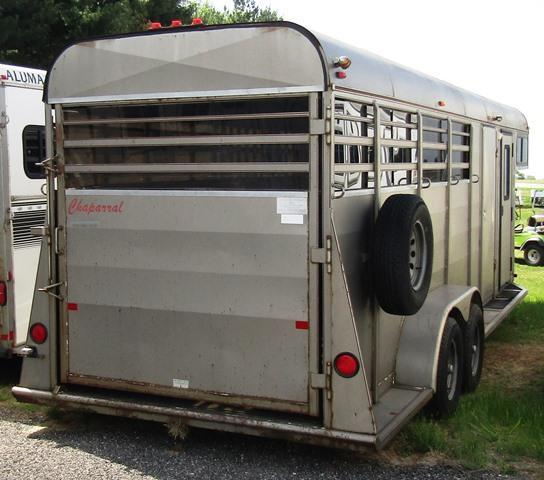 2004 Chaparral Trailers Slant with side tack Horse Trailer