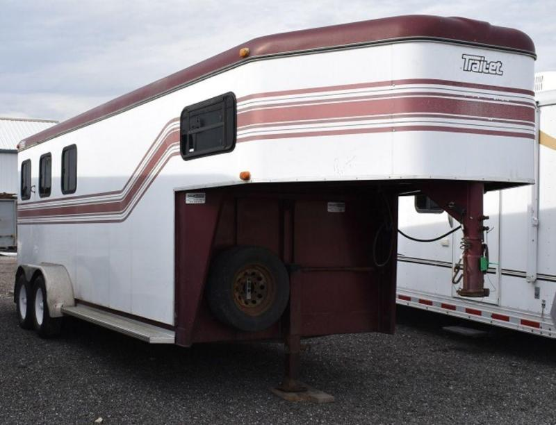 1998 Trail-Et Slant load with Dressing Room Horse Trailer