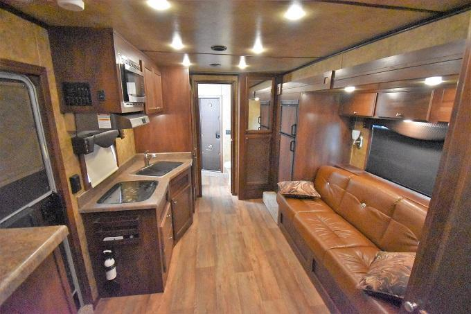 2017 Exiss Trailers 8314 Endeavor Horse Trailer