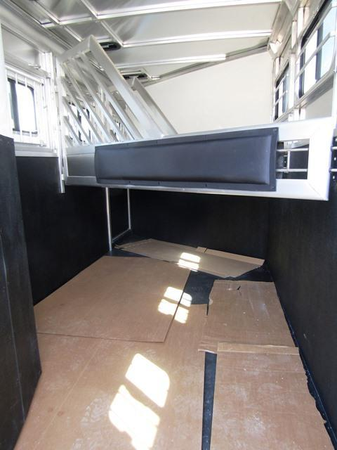 2018 Lakota Trailers Charger 3-H GN Horse Trailer