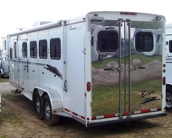 2003 Bison Trailers Alumasport w/8 LQ Horse Trailer