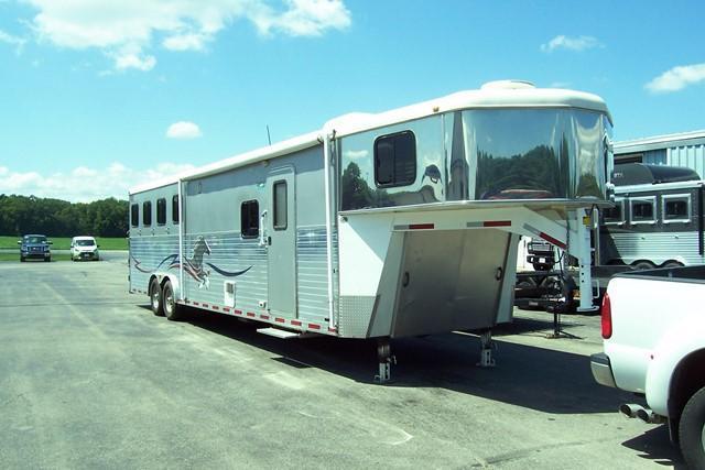 2006 American Spirit 8413 Horse Trailer