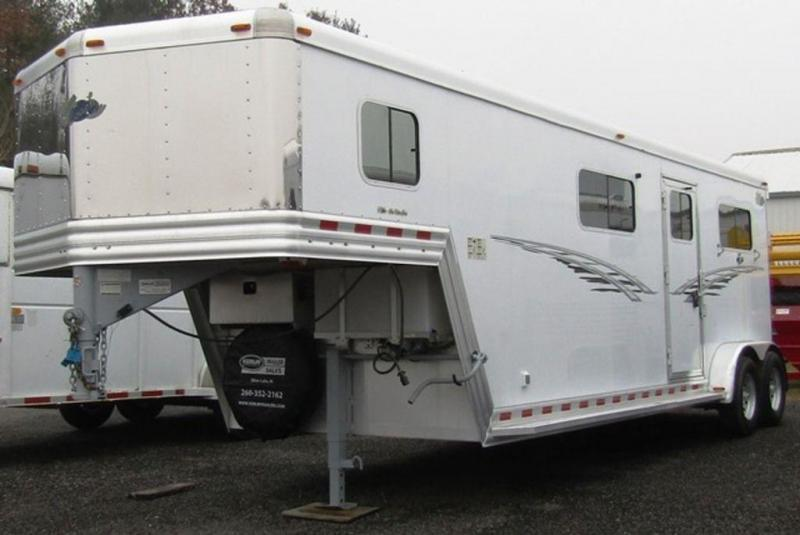 2009 Dream Coach 2+1 Straight Load Horse Trailer