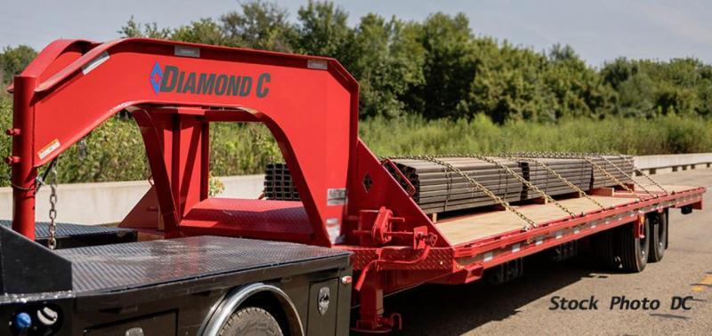 2019 Diamond C Trailers FMAX210 Equipment Trailer Gooseneck 35'