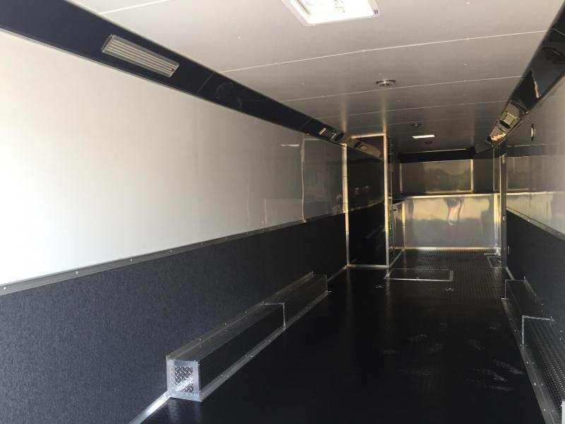 Enclosed trailer  40' gooseneck Continental Cargo Auto Master Car / Racing Trailer