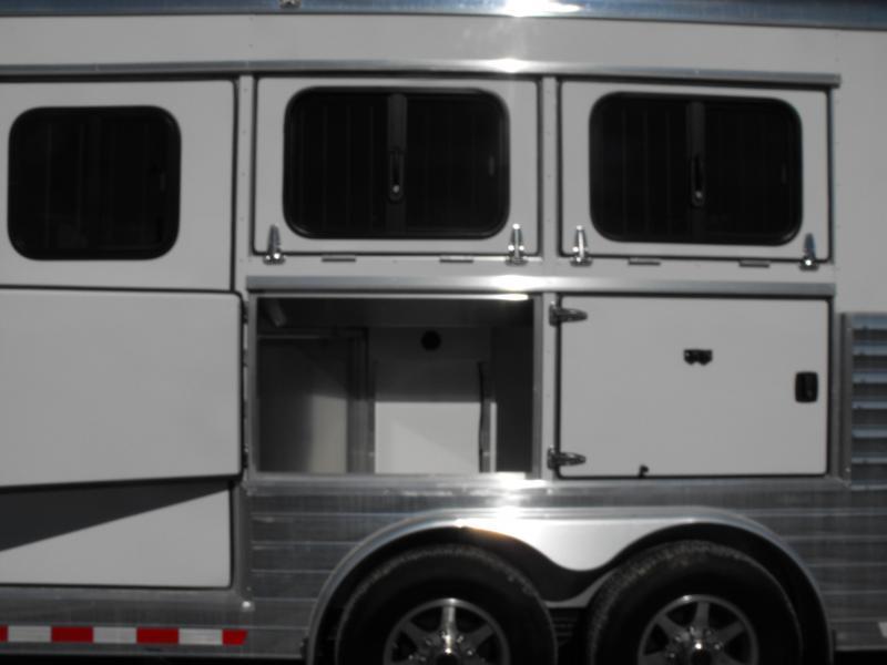 2019 Sundowner Trailers Santa Fe 8008 Horse Trailer