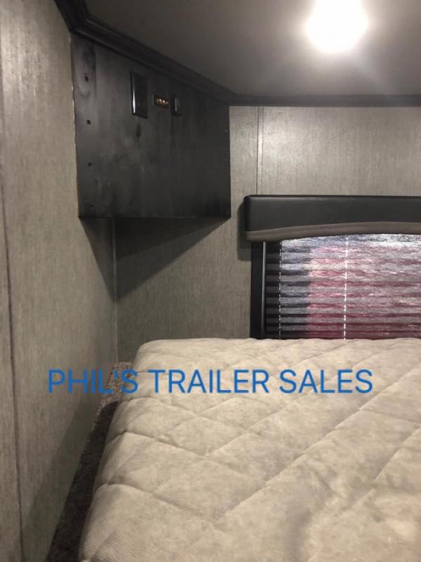2018 Sundowner 2586 SGM SUNDOWNER TOY HAULER WITH SLIDE OUT Motorcycle Trailer